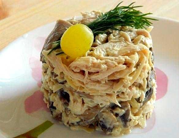gribnoj_salat_s_kuricej_1